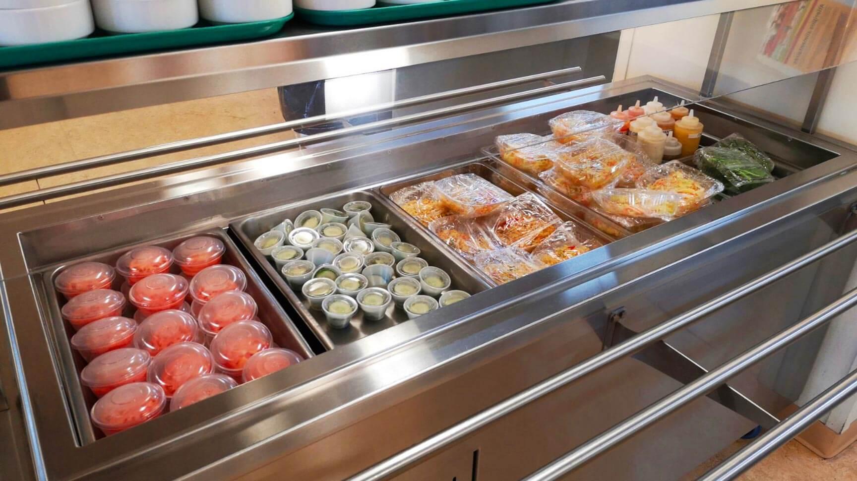 Repas de la cafétéria emballés individuellement par notre partenaire sodexo afin d'éviter les formulesbuffet.