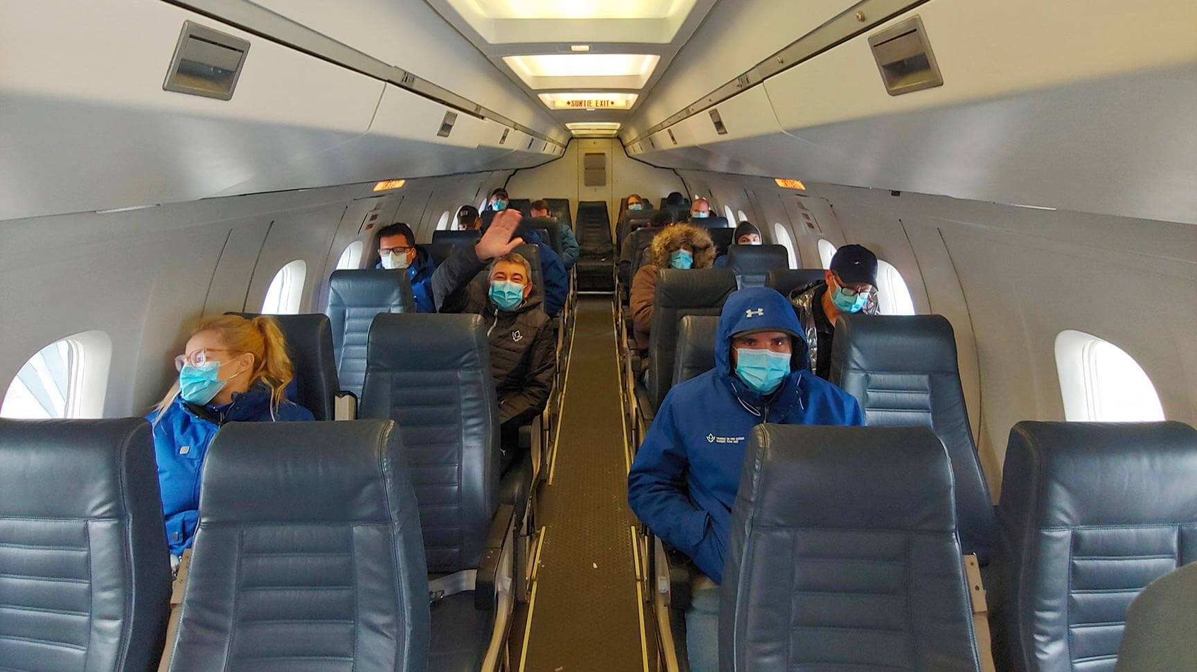 Transport aérien favorisant la distanciation sociale et la sécurité detous.